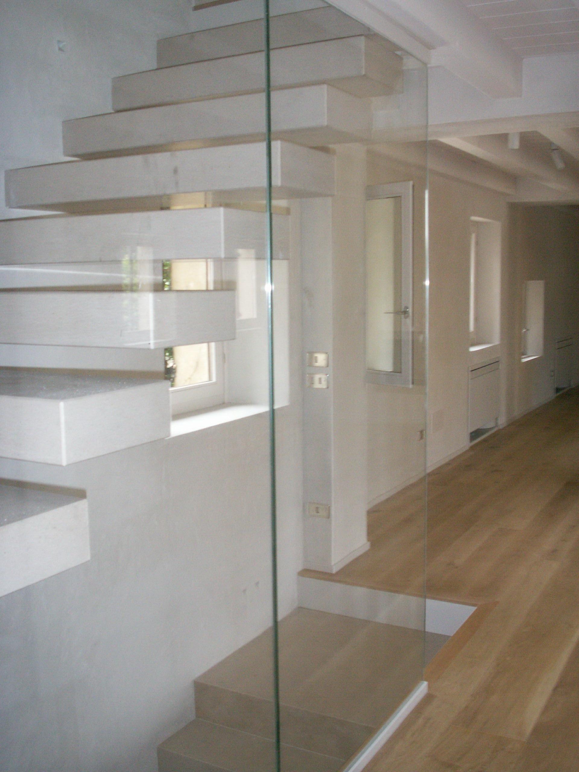 Scale in pietra e marmo pavimenti e rivestimenti di resedile - Scale in marmo ...