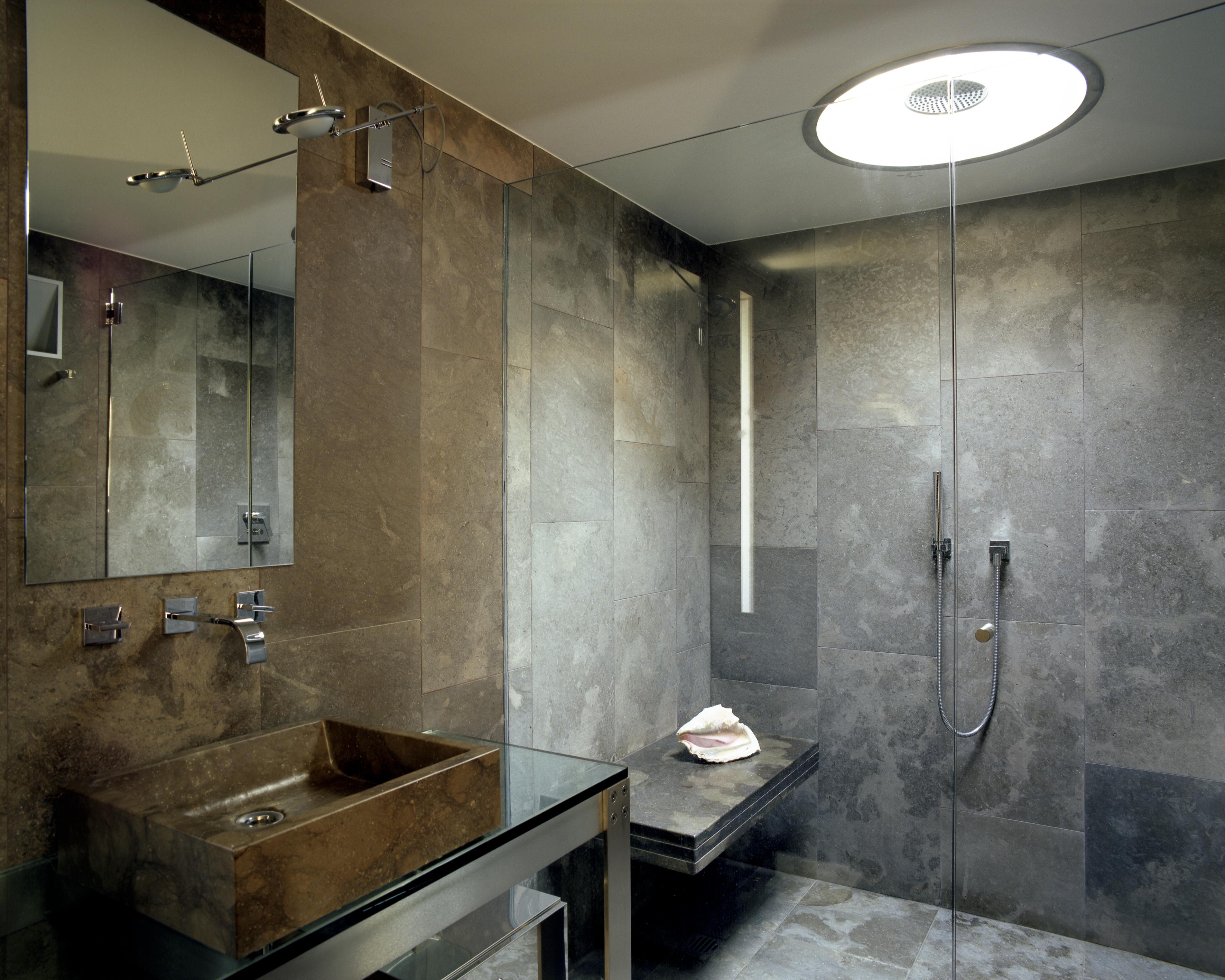 Bagni in pietra e marmo pavimenti e rivestimenti di resedile - Bagno rivestimento pietra ...